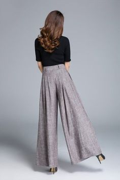 Wide Leg Pants Linen Pants Pleated Pants Brown Pants Ladies Source by Office Outfits Women, Mode Outfits, Fashion Outfits, Skirt Outfits, Trendy Fashion, Casual Outfits, Womens Fashion, Pleated Pants Womens, Maxi Pants