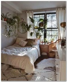 65 Small Bedroom Ideas for 2020 Bohemian Bedroom Decor Bedroom Ideas Small – Schlafzimmer Bohemian Bedrooms, Bohemian Bedroom Design, Bedroom Designs, Bohemian Decorating, Bohemian Room, Room Ideas Bedroom, Small Room Bedroom, Bedroom Ideas For Small Rooms, Bedroom Furniture