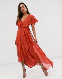Discover the latest dresses with ASOS. From party, midi, long sleeved and maxi dresses to going out dresses. Shop from thousands of dresses with ASOS. Cape Dress, Belted Shirt Dress, Asos, Color Type, Classic Cocktail Dress, Robes Midi, Going Out Dresses, Latest Dress, Boho Chic
