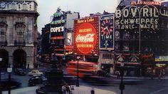 Conoce la historia del icónico anuncio de Coca-Cola en Piccadilly Circus