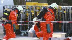 Delmenhorst: Feuerwehr rückt zu Gefahrgut-Großeinsatz bei der Postzentrale an | Niedersachsen