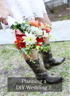 Want to know how to make your own wildflower and organic bouquets, centerpieces and where to buy wholesale flowers & vases? Need rustic floral decor ideas & inspirations? Download the only DIY Wedding Planning app for DIY brides! The app uses links to online resources so you can plan from your phone , tablet or computer! This app isn't limited to in app data so doesn't take up all the memory in your phone! Everything you need to plan your wedding is in this app. Create Seating charts, checklists