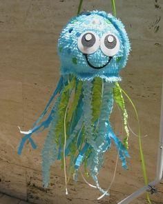 octopode en bleu et vert, idée comment fabriquer une pinata inspirée du thème bord de mer