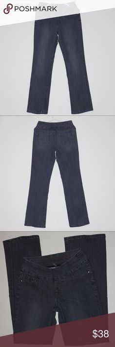 """JAG Jeans Stretch Denim Gray Slimming Sz 4 Pull On JAG Jeans Stretch Denim Gray Slimming Size 4 Pull On JAG JEANS Stretch Denim 77% Cotton 21% Polyester  2% Spandex for a jean you can pour yourself into (form fitting) Color Gray Faux front zipper 14"""" across waist flat Inseam:32"""" 9"""" across bottm hem flat Front rise: 9"""" Jag Jeans Jeans"""