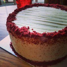 Red velvet cake Velvet Cake, Red Velvet, Tiramisu, Treats, Baking, Ethnic Recipes, Food, Sweet Like Candy, Goodies