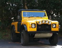 This Land Rover Defender Tomcat is a 100-inch blend of a D90 and D110, and was raced in the Dakar Rally in 2001 and 2003 according to the se...
