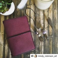 #Repost @mindy_robinson_art ・・・ Say hello to Pemberley She is my prize I won from and her charms made by @plan2innovate Soooo beautiful Angie! Thank you #mysparrow #chicsparrow #chicsparrowfans #chicsparrowpemberley #planner #planning #plannergeek #plannernerd #planneraddict #plannercommunity #plannerlife #plannergoodies #mtn #tn #travelersnotebook #paperlove #pageflags #plannergirl #washiaddict #prettyplanner #plannergirl #girlboss #paperclips #kikkiklove #kikkik #fauxdori #fabdori...