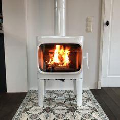 Floating Fireplace, Stove Fireplace, Rocket Stoves, Wood Burner, Herd, House Goals, Craftsman Style, White Wood, Architecture Design