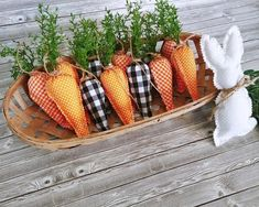 Farmhouse and cottage style stuffed fabric bunny buns perfect for your Easter and spring decor. Use in tiered trays, vignettes, table decor Potpourri, Spring Crafts, Holiday Crafts, Diy Osterschmuck, Diy Ostern, Diy Easter Decorations, Bowl Fillers, Hoppy Easter, Cottage Style