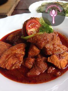 Csülökpörkölt bográcsban     Sylvia Gasztro Angyal Curry, Ethnic Recipes, Food, Curries, Essen, Meals, Yemek, Eten