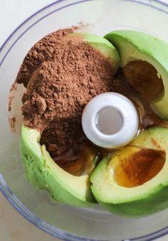 Deze romige chocomousse maak je met slechts 4 ingrediënten. Supereenvoudig, razendsnel en het beste wat je deze week …