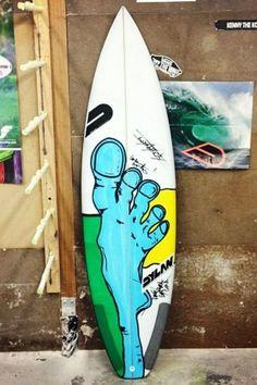 Painting your own surfboard is kind of like shaping your own surfboard, it feels good to put bit of yourself into your stick. Surfboard Painting, Surfboard Decor, Surf Design, Design Art, Design Ideas, Tiki Tattoo, Custom Surfboards, Skate Art, Arte Horror