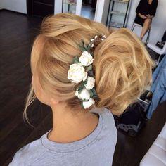 wedding hairstyle updo 7 via antonina roman - Deer Pearl Flowers / http://www.deerpearlflowers.com/wedding-hairstyle-inspiration/wedding-hairstyle-updo-7-via-antonina-roman/