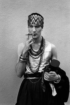 El fotógrafo británico Derek Ridgers pasó más de una década documentando el hedonista mundo de los clubes de Londres de los 70 y los 80. | 17 increíbles fotos vintage de la escena punk del Londres de los 70