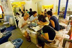 The Modern Toilet Restaurant! (Toilet Restaurant) in Kaohsiung, Taiwan Asian Restaurants, Unique Restaurants, Food Places, Places To Eat, Toilet Restaurant, Restaurant Restaurant, Modern Toilet, Toilet Training, Potty Training