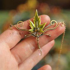 Handmade elven necklace from polymer clay, brass and glass. Sold. Going to make some more :3 Эльфийское колье из полимерной глины, латуни и стекла. Проданы, планирую сделать еще подобные....