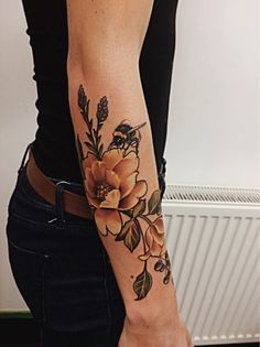 Floral Tattoo by @bethanielaurenart, with bumble bee