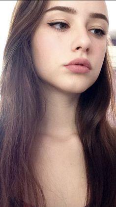 Photography girl city sun 16 super ideas - Her Crochet Girl Face, Woman Face, Cute Selfie Ideas, Cute Girl Pic, Beautiful Lips, Cute Beauty, Photo Instagram, Cute Faces, Aesthetic Girl