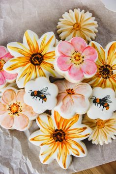 Wildflower sunflower daisy and bee decorated sugar cookies, painting on royal icing, watercolor cookies, painted sugar cookies Sunflower Cookies, Flower Sugar Cookies, Bee Cookies, Paint Cookies, Galletas Cookies, Fancy Cookies, Cupcake Cookies, Easter Cookies, Heart Cupcakes