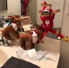 Elf on the Shelf - Reindeer Rule!