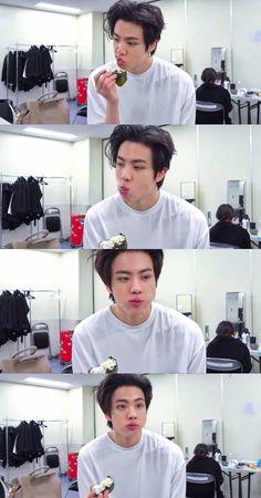 Parkjimin13 (@parkjimin13_13) / Twitter Namjin, Seokjin, Foto Bts, K Pop, V Smile, K Wallpaper, Album Bts, Bts Lockscreen, Worldwide Handsome