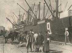 saksalaisten maihinnousu Hangossa 1918: miehiä laivan vieressä Joko, Helsinki, Warfare, Civilization, Finland, Pictures, Painting, Beautiful, Art