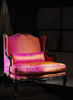 French chair in glossy pink upholstery vignette www.it/img-thumb/poltrona-quartermaine-big. Love Chair, Rocking Chair, Funky Furniture, Everything Pink, Take A Seat, My Living Room, Decoration, Pretty In Pink, Bungalow