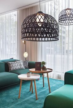 Mama Makan is a contemporary Dutch-Indonesian Grand Café that seamlessly integrates with the hotel lobby, connecting travellers with the local residents and the historic context of the neighbourhood. Mama Makan is inspired by the...