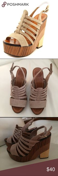 Vince Camuto Wedges 👡 Grey color (suede). Vince Camuto brand. Size: 6.5. Good condition. Vince Camuto Shoes Wedges