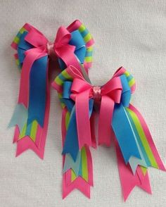 Horse Show Hair Bows, hair accessory with spring and summer clothes How To Make A Ribbon Bow, Gift Bows, Boutique Hair Bows, Making Hair Bows, Ribbon Hair Bows, Diy Hair Accessories, Diy For Girls, Baby Headbands, Diy And Crafts