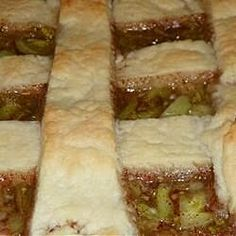 Green Tomato Pie II Green Tomato Relish, Green Tomato Recipes, Green Tomatoes, Pie Recipes, Dessert Recipes, Desserts, How To Cook Greens, Apple Pie Spice, Tomatoes
