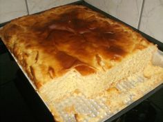 O Pão de Massa Mole é muito fofinho, saboroso e fácil de fazer. Torne as suas tardes muito mais especiais com esse pão delicioso! Veja Também: Pão Fácil Ve