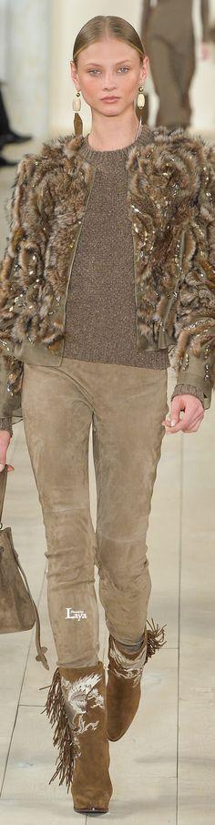Ralph Lauren, New York Fashion Week, Herbst-/Wintermode New York Fashion, Fashion Week, Fashion Pants, Look Fashion, Winter Fashion, Fashion Show, Womens Fashion, Fashion Design, Ralph Lauren Style