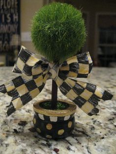 Pandora's Box: How to Make a Topiary - with a Mackenzie-Childs Flair Cool Diy Projects, Projects For Kids, Painted Clay Pots, Hand Painted, Mackenzie Childs Inspired, Mckenzie And Childs, Harlequin Pattern, Funky Junk, Topiary