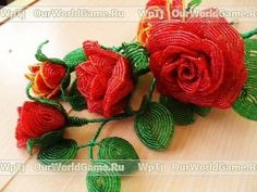 Our goal is to keep old friends, ex-classmates, neighbors and colleagues in touch. French Beaded Flowers, Beaded Crafts, Flower Making, Master Class, Beading Patterns, Diy Jewelry, Beaded Jewelry, Flower Arrangements, Eye Candy