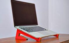 Soporte para notebook portátil. Portable Laptop sand.