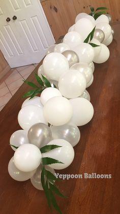 Balloon table centrepiece, balloon table runner, organic garland