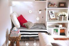 1.- Taburete de madera de Banak Importa 2.- Sofá DIY con palés y ruedas 3.- Cojines y manta de Ikea 4.- Lámpara de pared de Ikea