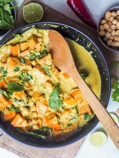 Butternut Squash Curry with Spinach and Chickpeas {Vegan, GF} Butternut Squash Curry, Chickpea And Spinach Curry, Soy Free Soy Sauce, Healthy Dinner Recipes, Cooking Recipes, Healthy Foods, Vegan Fish, Pumpkin Curry, Vegetarian Breakfast Recipes