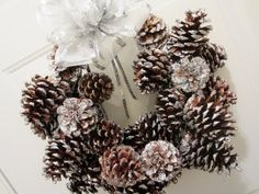 DIY Glitter Pinecone Christmas Wreath - YouTube