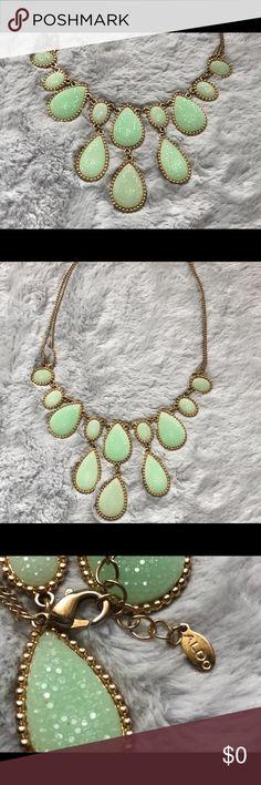 ALDO Mint & Gold Statement Necklace ALDO Mint & Gold Statement Necklace. Beautiful Necklace/ Back clasp / Great Condition. Aldo Jewelry Necklaces