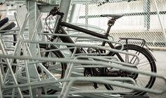 Badenmobil, Betreiberin der Velostation, geht in die Preisoffensive: Für 20 Rappen kann man nun hier seinen Drahtesel parkieren. Bicycle, Veils, Bike, Bicycle Kick, Bicycles