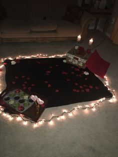 Date night and picnic at home romantic home dates, at home dates, romantic nigh Romantic Home Dates, Romantic Date Night Ideas, At Home Dates, Romantic Surprise, Romantic Room, Home Date Night Ideas, Teen Romance Movies, Best Color, Night Picnic