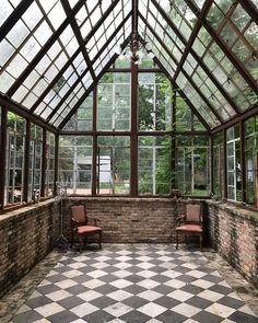 Amazing conservatory greenhouse ideas for indoor-outdoor bliss Outdoor Spaces, Indoor Outdoor, Outdoor Living, Indoor Garden, Small Greenhouse, Greenhouse Ideas, Window Greenhouse, Portable Greenhouse, Backyard Greenhouse