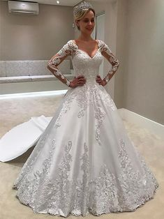 White bride dresses. All brides think of finding the most suitable wedding day, however for this they require the most perfect wedding outfit, with the bridesmaid's dresses complimenting the brides dress. The following are a variety of ideas on wedding dresses.
