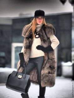 www.parysfurs.pl/... www.facebook.com/...  Big real fur vest