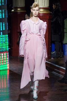 Sfilata Kenzo Parigi - Collezioni Autunno Inverno 2016-17 - Vogue