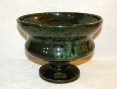 Haeger Pottery Emerald Green Drip Glaze Pedestal Vase Compote Haeger Pottery Green Drip Glaze Pedestal Vase http://www.amazon.com/dp/B01651TJTK/ref=cm_sw_r_pi_dp_6Ymewb03BTFP4