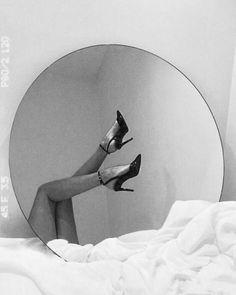 Gray Aesthetic, Black Aesthetic Wallpaper, Black And White Aesthetic, Bad Girl Aesthetic, Aesthetic Collage, Aesthetic Photo, Aesthetic Pictures, Aesthetic Wallpapers, Black And White Picture Wall