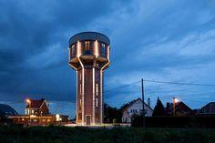 【リノベってすごい】100年前の給水塔が最高の眺望をもつモダンハウスに変貌   THINK FUTURE